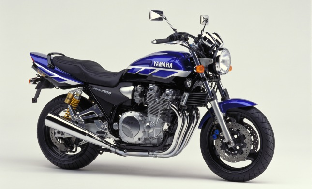 2000-xjr1300sp-blue_black_dpbmc_ps
