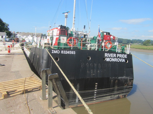 Barge 006