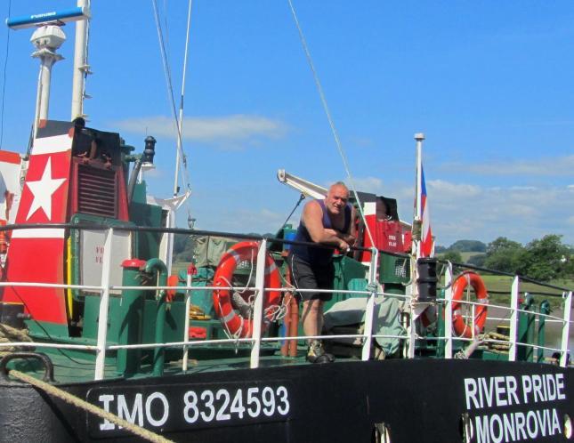 Barge 013