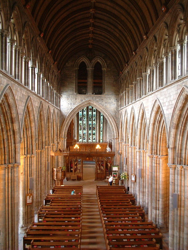 640px-Dunblane_Cathedral_interior